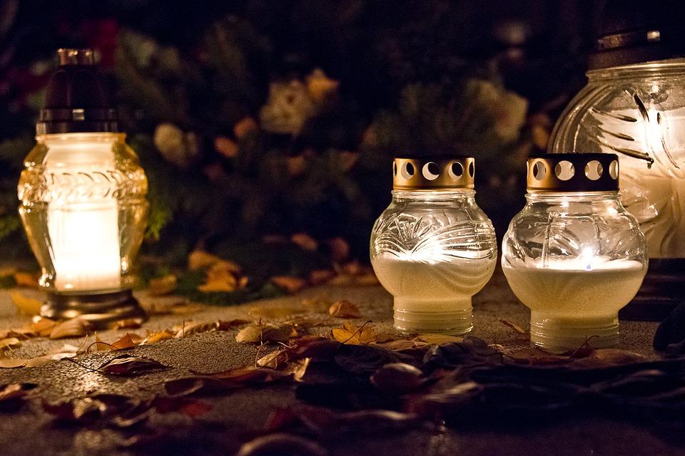 Jak zadbać o nagrobek przed Dniem Wszystkich Świętych?