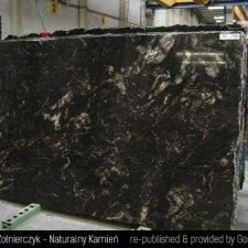 image 01-kamien-naturalny-granit-cosmic-black-jpg