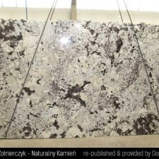 image 04-kamien-naturalny-granit-delicatus-gold-jpg